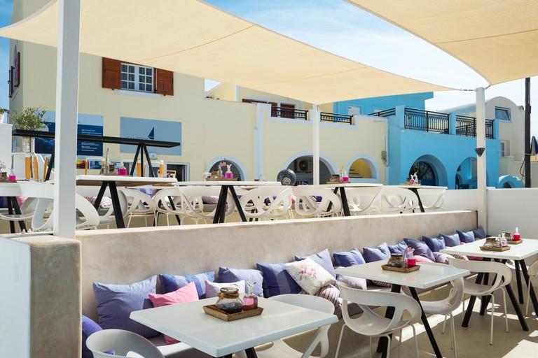 Greece, Santorini island, Fira, a bar restaurant on the caldera pathway