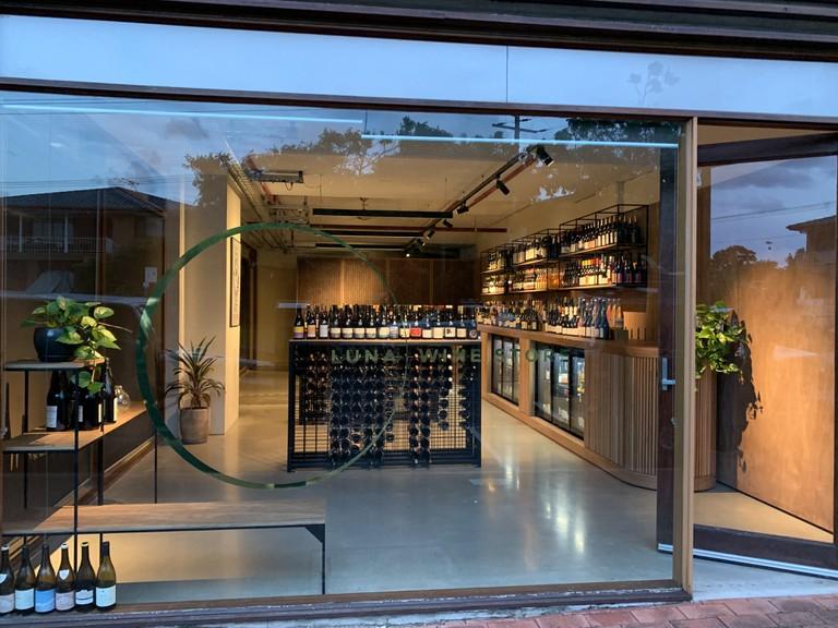 Luna Wine Store