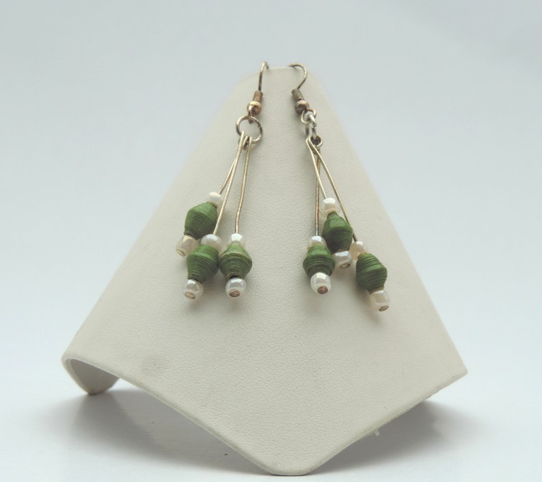 Paper bead tier earring green - Green Creations