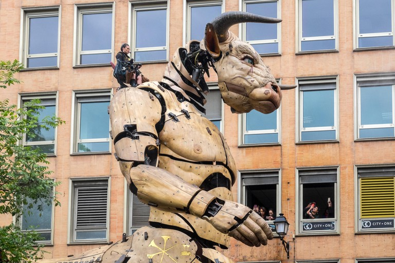 A giant mechanical Minotaur performs in Toulouse