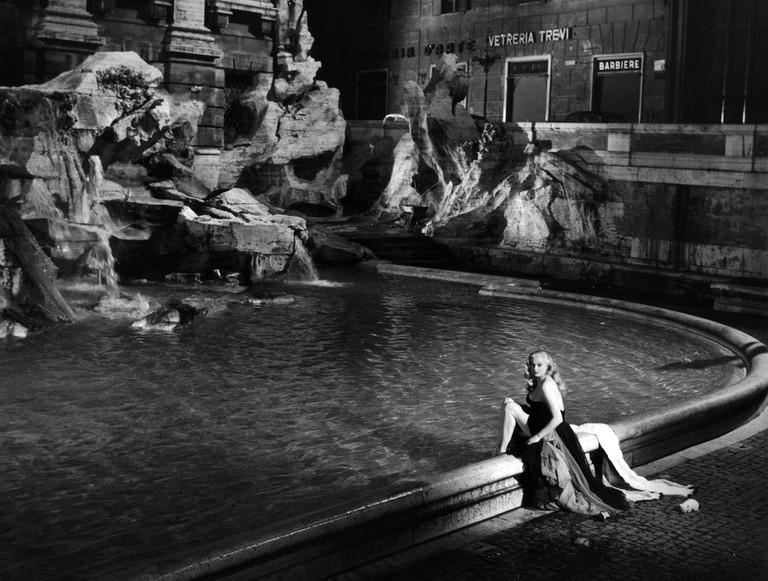 ANITA EKBERG AT THE TREVI FOUNTAIN, LA DOLCE VITA, 1960