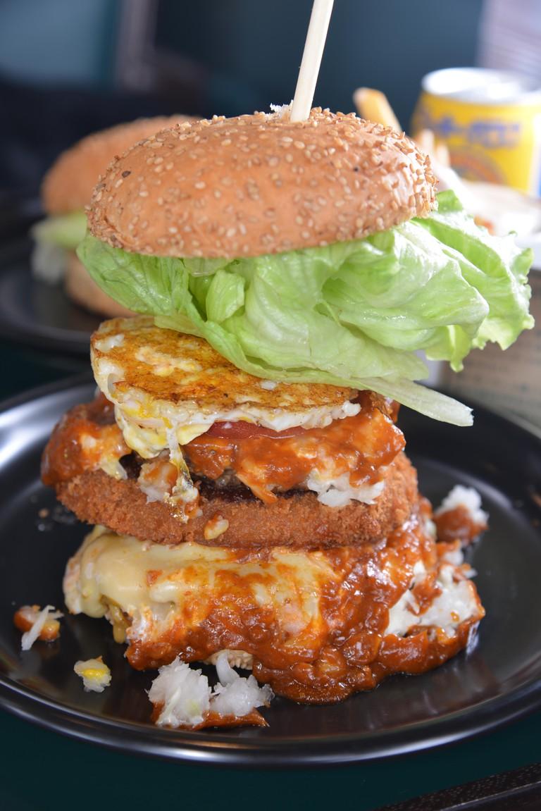 Lucky Pierrot burger