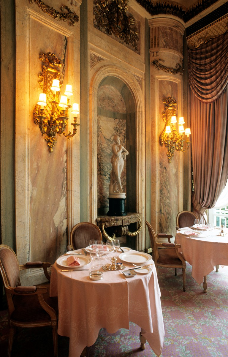 England, London, The Ritz, Monumental restaurant