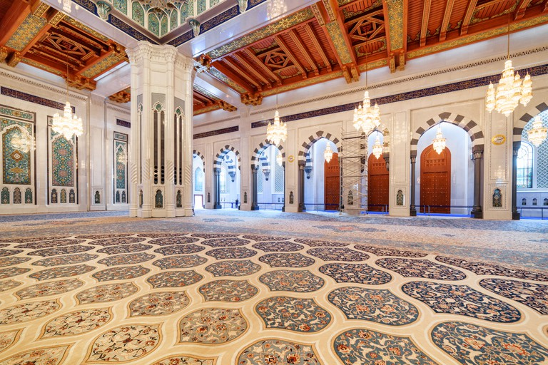 Wonderful carpet in prayer hall, the Sultan Qaboos Grand Mosque