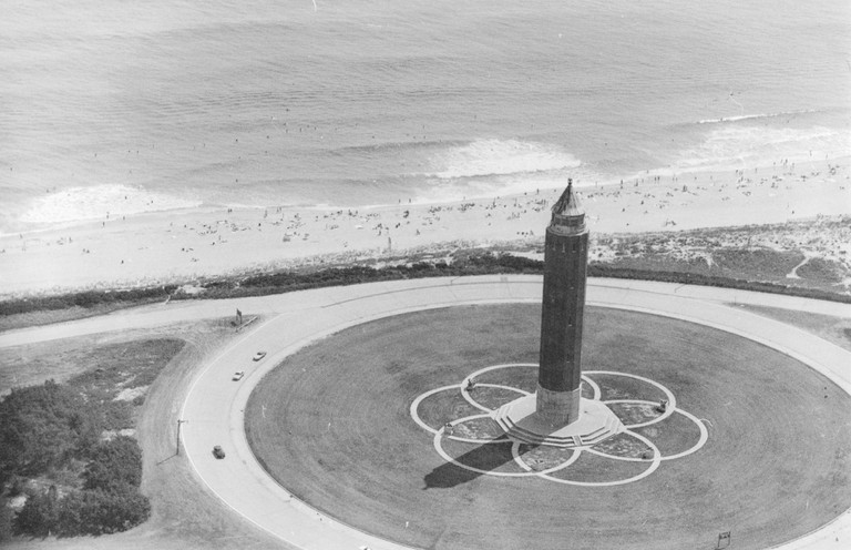Aerial photo of Robert Moses State Park on Long Island, 1998