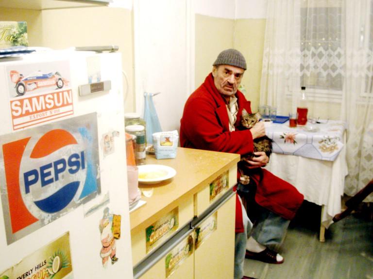 THE DEATH OF MR.LAZARESCU, (aka MOARTEA DOMNULUI LAZARESCU), Ion Fiscuteanu, 2005,
