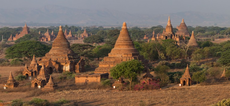 Ancient temples and pagodas in Old Bagan