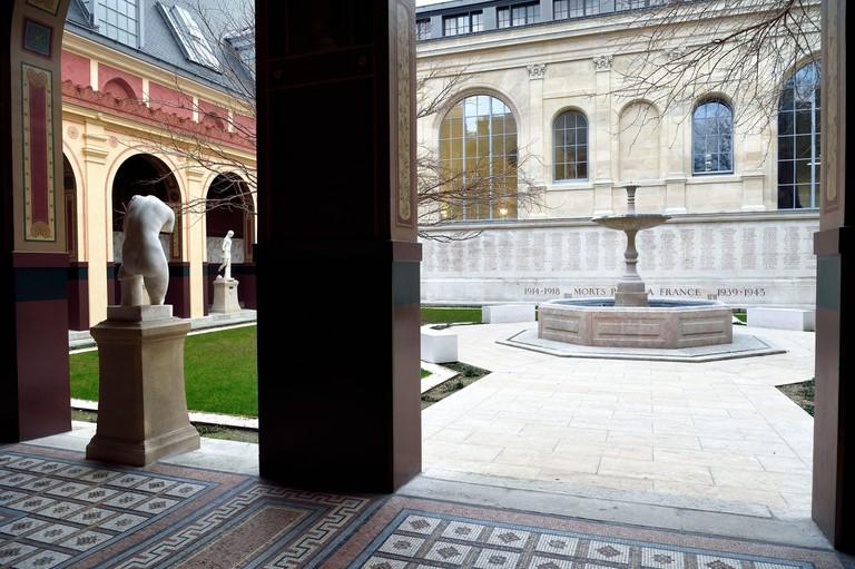 France, Paris, Saint Germain des Pres district, Ecole nationale superieure des Beaux-Arts (Fine Arts school), Cour du Murier