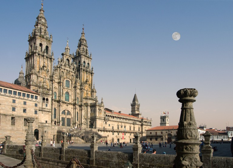 Santiago de Compostela Cathedral from the Praza do Obradoiro (Plaza del Obradoiro), Santiago de Compostela, Galicia, Spain. Image shot 06/2008. Exact date unknown.