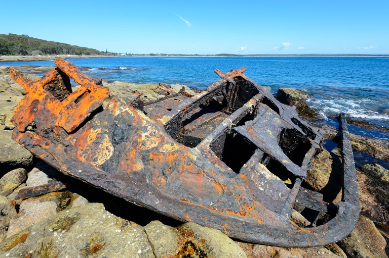 Remains of the steamship SS Merimbula which ran aground at Whale Point in 1928, Currarong, Beecroft Peninsula, Jervis Bay, New South Wales, NSW, Austr