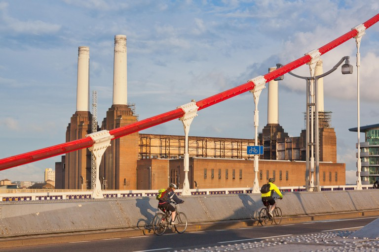 Cycling with Battersea Power Station behind