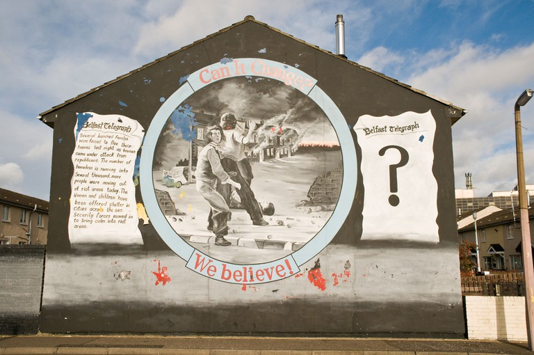 "Loyalist/Unionist mural, ""Can it change? We believe!"""