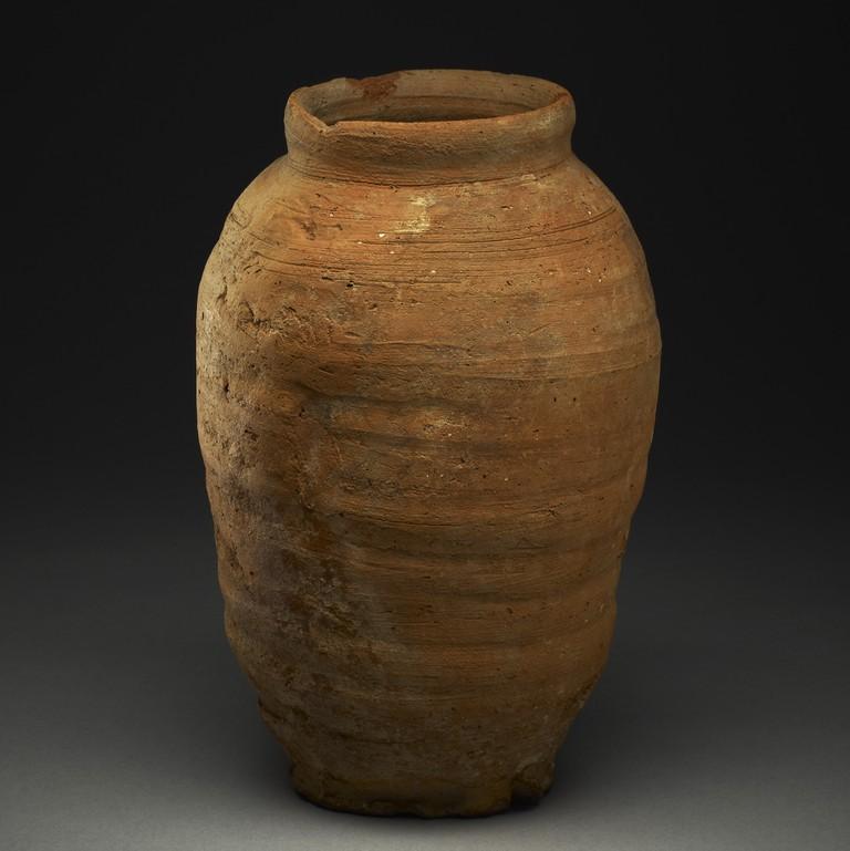 979312001-pottery-vase