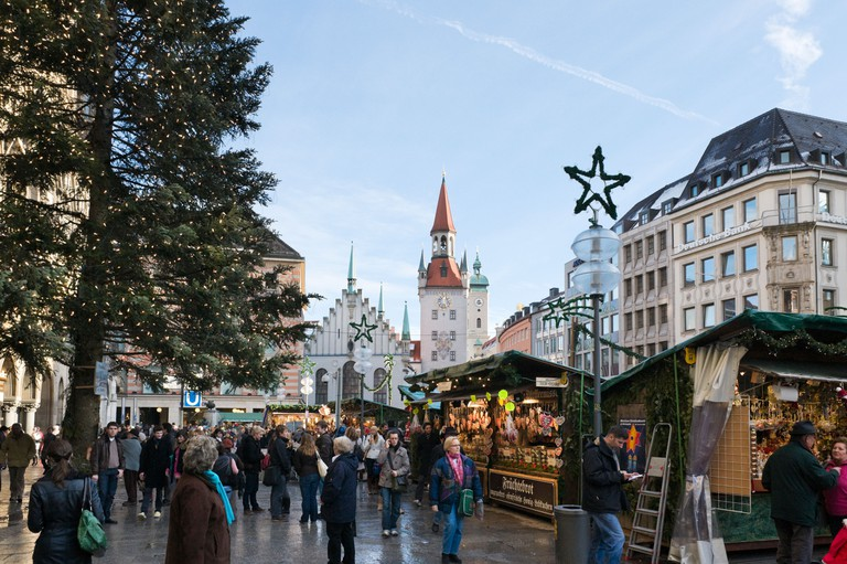 Christmas Market in Marienplatz with the Old Town Hall behind, Munich, Germany