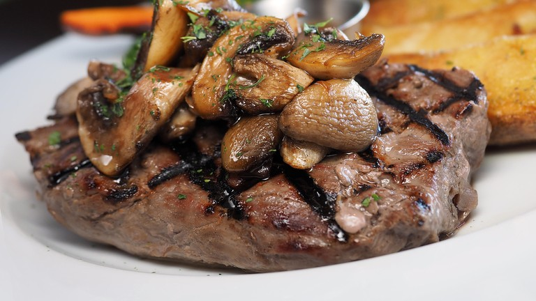 Beef fillet with mushrooms I