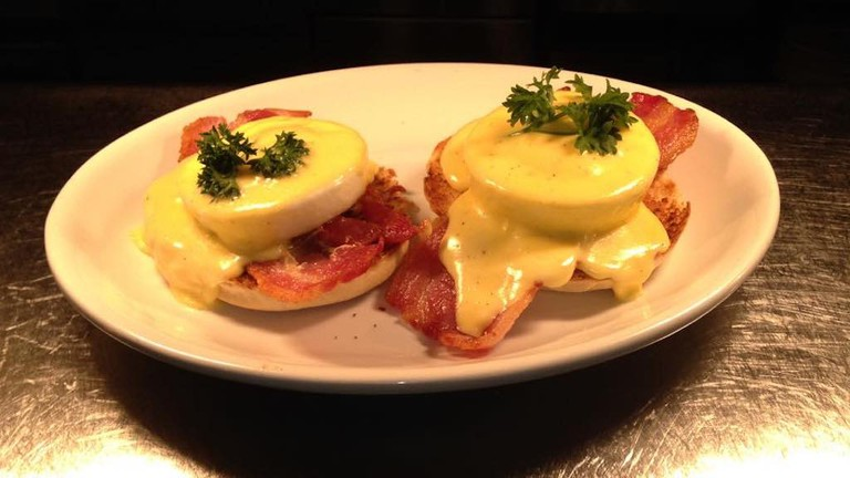 Eggs benedict | Courtesy of Scoozis