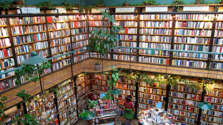 El Pendulo Bookstore