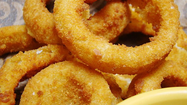 Beer Battered Onion Rings   © WikiCommons