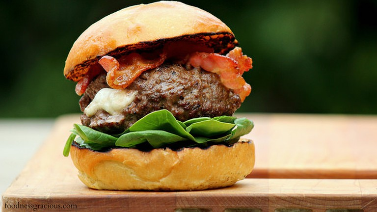 Burger   © Michael Stern/Flickr