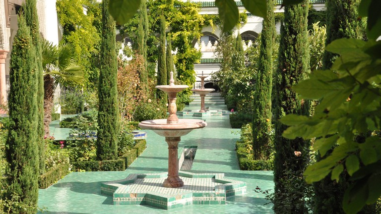 Fountains in Grande Mosquée garden