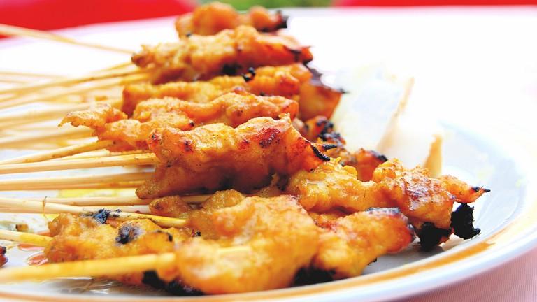 Chicken satay | © Wen Tong Neo/Flickr