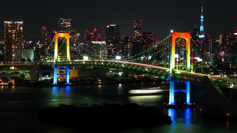 Hilton Hotel Odaiba offers great views of Tokyo Bay and the Rainbow Bridge | © Gussisaurio/WikiCommons