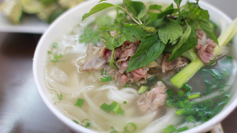 Beef noodle soup │© mhywin