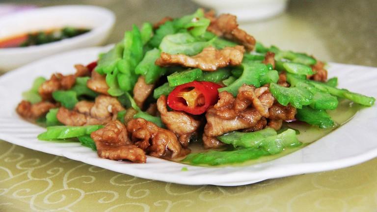 Fried pork and green chilies │© sharonang