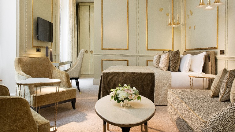 A bedroom at the Hotel Le Narcisse Blanc & Spa │ Courtesy of the Hotel Le Narcisse Blanc & Spa