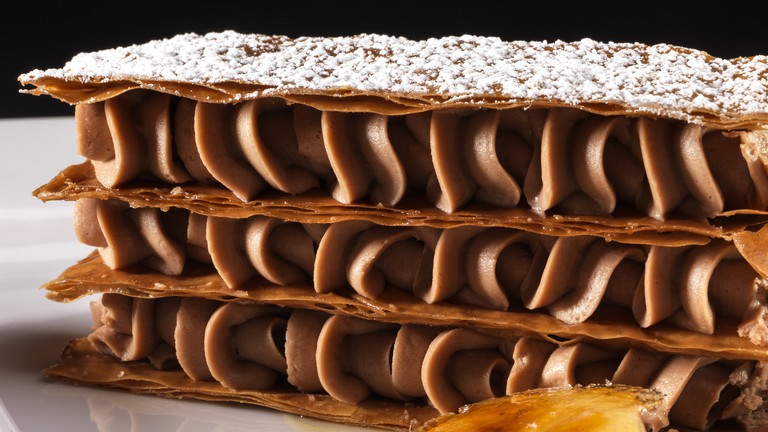 Extravagant millefeuille with caramelized banana
