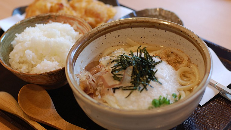 Tororo on udon | © kimishowota/Flickr