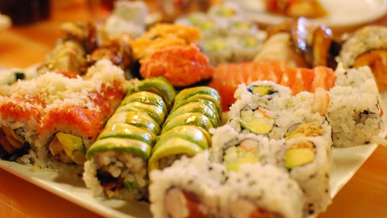 Sushi selection |© slgckgc/Flickr