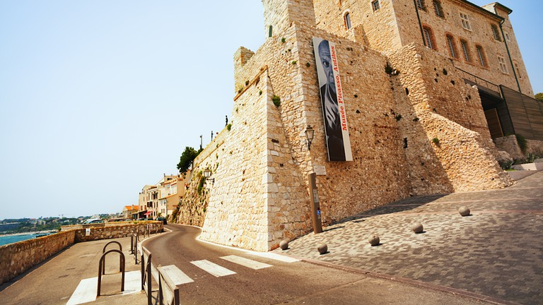 The Picasso Museum in Antibes is in a beautiful location on the coast | © Gayane / Shutterstock