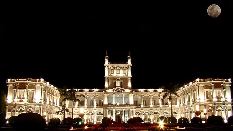 Palacio de los López at night