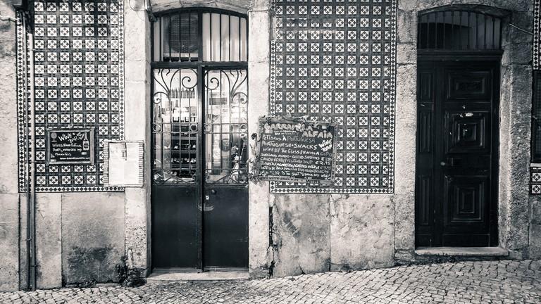 Black and white photo of Garrafeira Alfaia