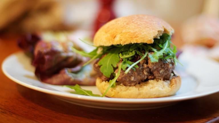 Burger, Homemade Bun