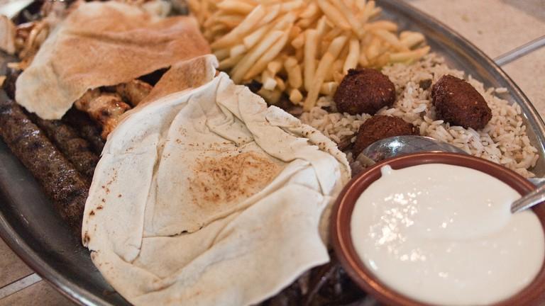 Al Ameer Restaurant, Dearborn Michigan | © Edsel Little/Flickr