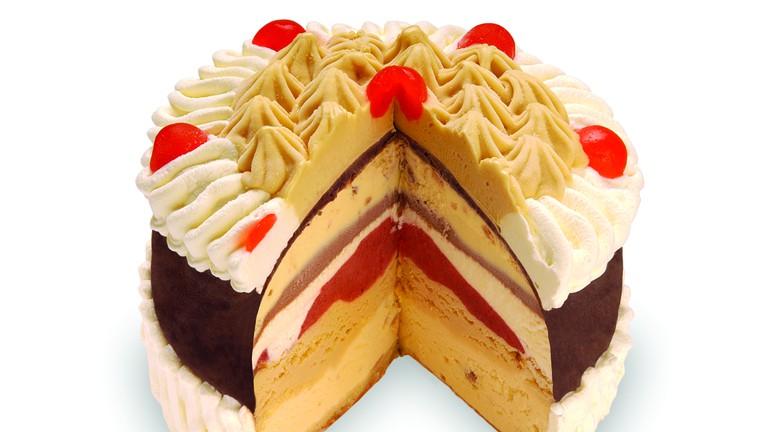 Porteñito ice cream cake at Saverio