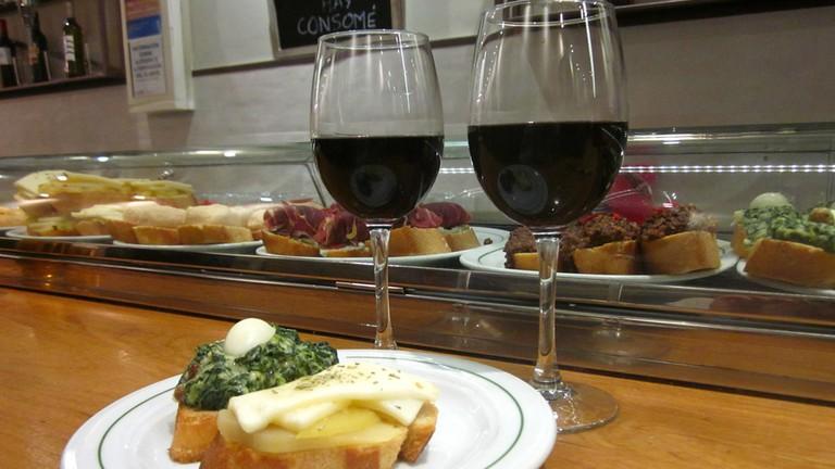 Food and wine at Jurucha