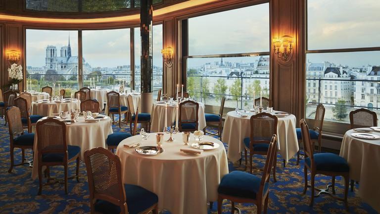 The dining room at Tour d'Argent │ Courtesy of Tour d'Argent