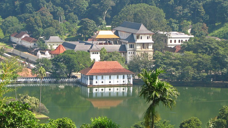 Temple of the Tooth, Kandy   © McKay Savage / Flickr