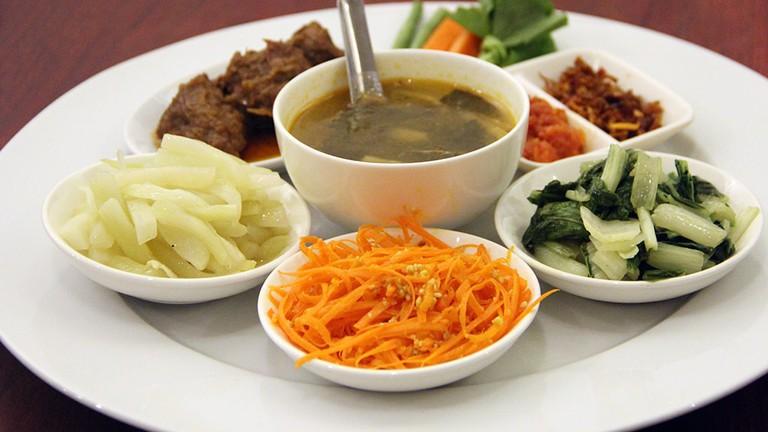 Beef-Curry-Myanmar-Set-Menu-Pansuriya-Yangon