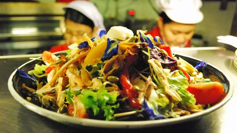 Salad-at-Sharky's