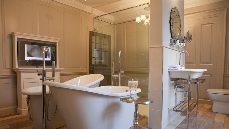 Bathroom | © Courtesy of Vanbrugh House Hotel