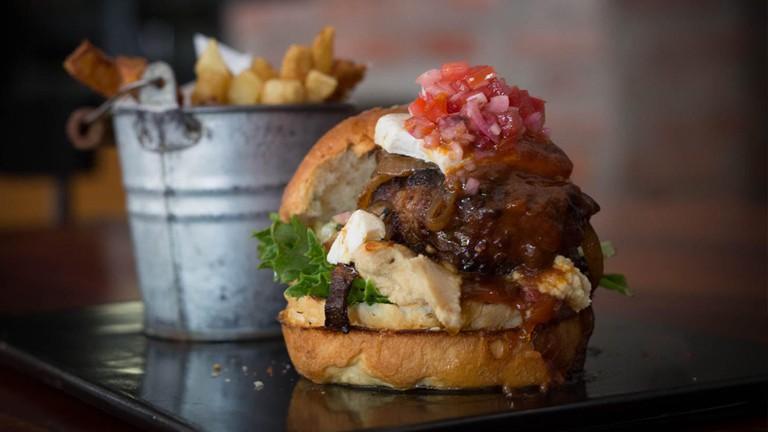 Engruna Burger and Fries