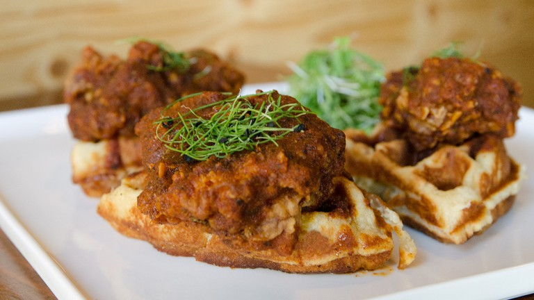 Hot Chicken and Waffles / (c) Kurman Communications / Flickr