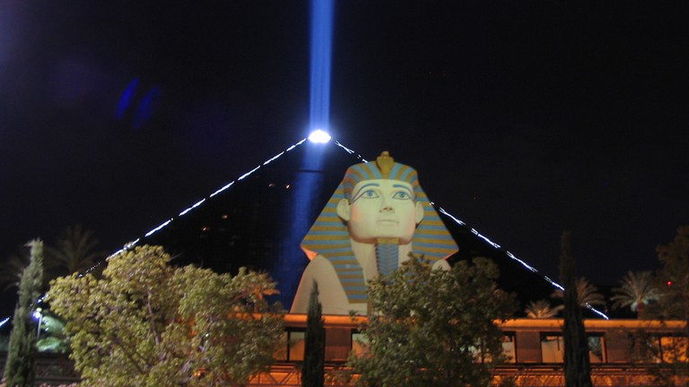 Luxor Sky Beam | © Ken Lund/Flickr