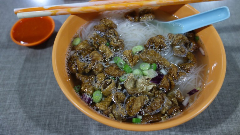 Lum Cheong Mai Fan (Crispy intestine and rice vermicelli)
