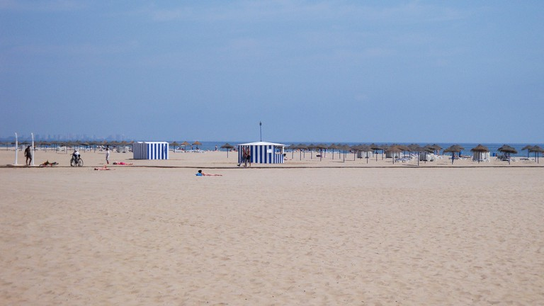 Las Arenas beach, Valencia. Photo: losmininos/flickr