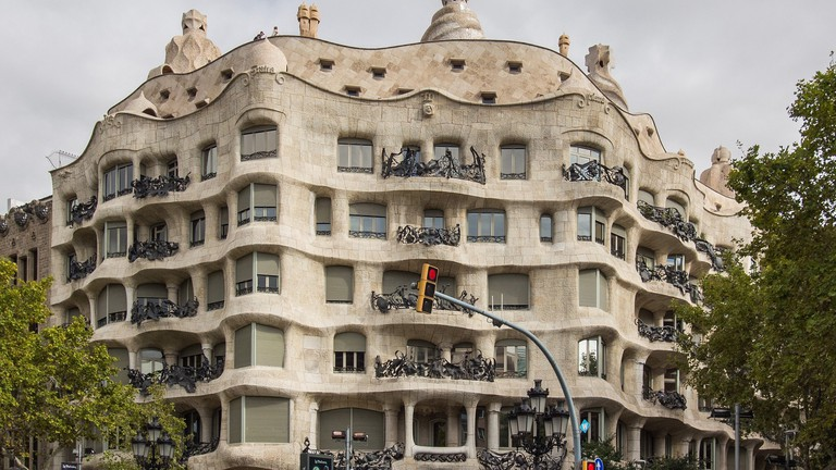 The hostel is located near some of Barcelona's most famous monuments © Gregg Tavares